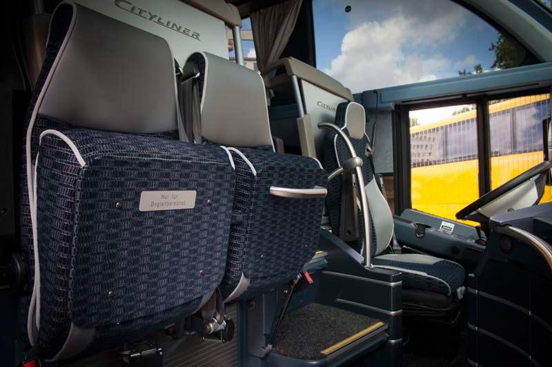 50-53er-Bus2
