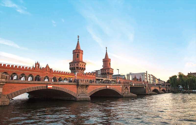 Stadtrundfahrt Berlin PURPLE TOUR